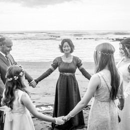 06-round-praying-beach-wedding-ceremony-france