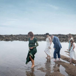 07-blessing-water-wedding-ocean-in-france