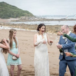 12-time-of-sharing-champagne-beach-wedding