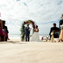 08-ceremonie-laique-plage-France