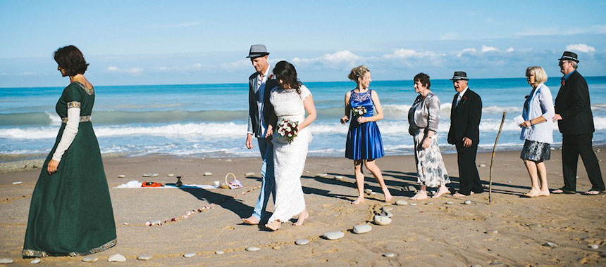 The celebrant and the australian family for a beach wedding in France