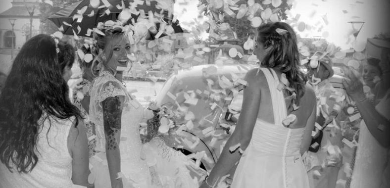 Gay wedding women in France with Celebrant Agathia